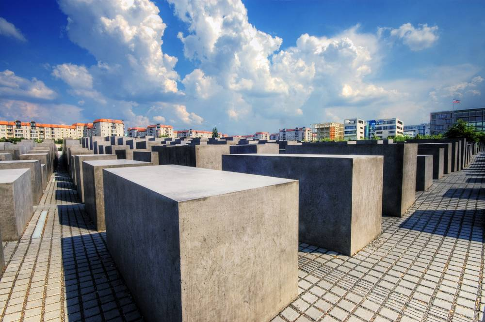 museum denkmal f r die ermordeten juden europas ort der. Black Bedroom Furniture Sets. Home Design Ideas