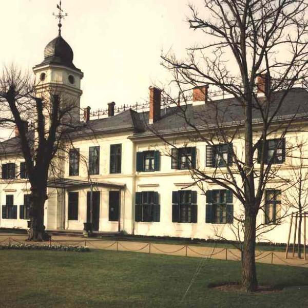 Museum Schloss Britz Gutshaus Schlosspark Gutshof